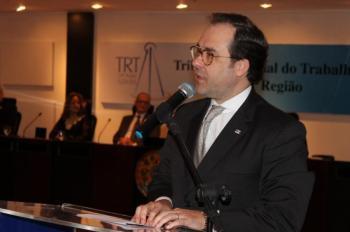 Presidente da OAB em posse da nova diretoria da Agatra